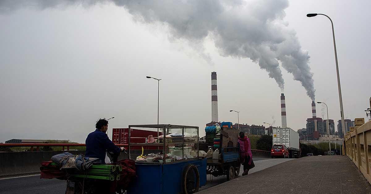 Agua que gastan las centrales de carbón abastecería a 1.000 millones de personas