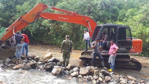 Maquinaría decomisada por minería ilegal en Santa Rosa